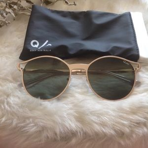 NEW! Quay Here we are sunnies